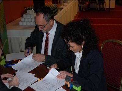 podpisywanie_umowy